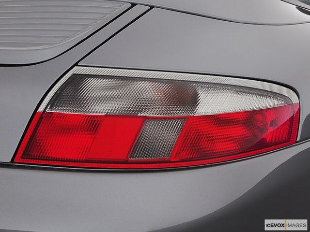 2003 Porsche 911 Passenger Side Taillight