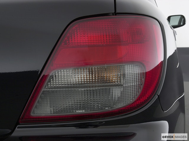 2003 Subaru Impreza Passenger Side Taillight