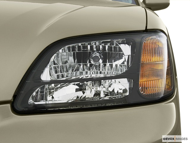 2003 Subaru Legacy Drivers Side Headlight