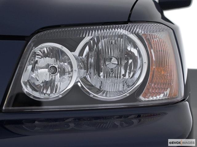 2003 Toyota Highlander Drivers Side Headlight