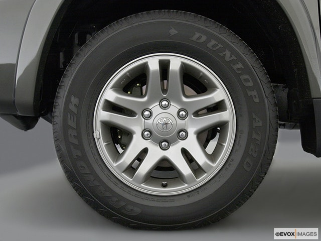 2003 Toyota Tundra Front Drivers side wheel at profile