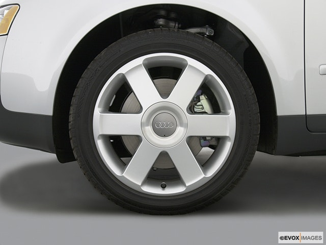 2004 Audi A4 Front Drivers side wheel at profile