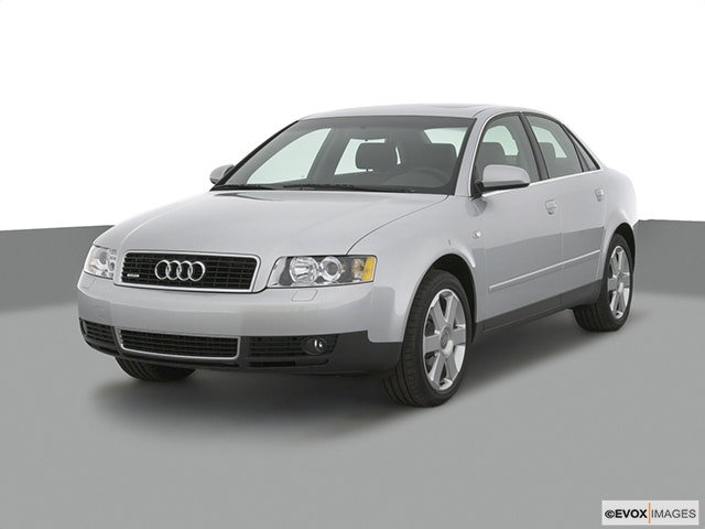 2004 Audi A4 Front angle view