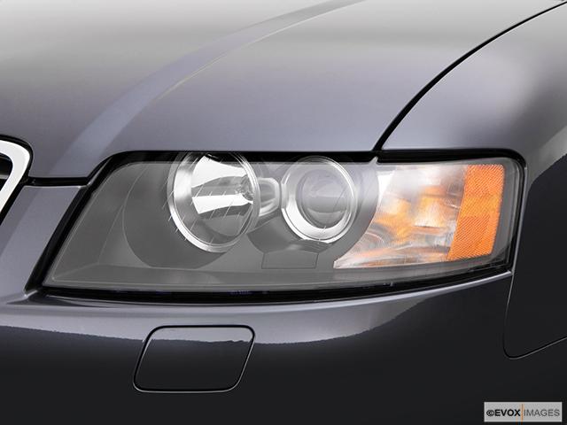 2004 Audi S4 Drivers Side Headlight