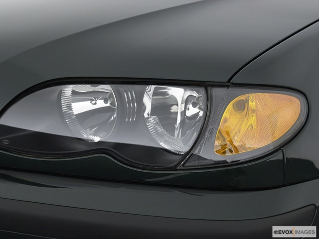 2004 BMW 3 Series Drivers Side Headlight