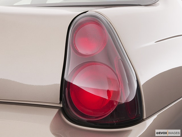2004 Chevrolet Monte Carlo Passenger Side Taillight