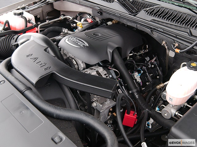 2004 Chevrolet Tahoe Engine