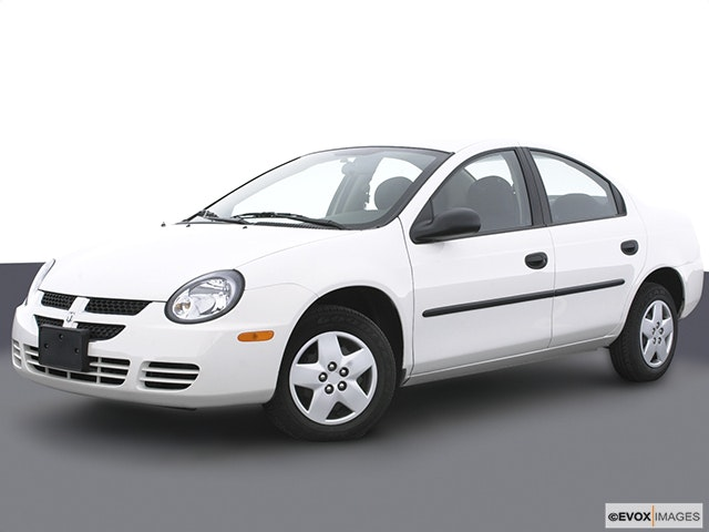 2004 Dodge Neon Front angle medium view