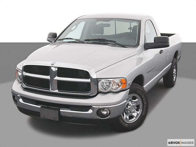 2004 Dodge Ram Pickup 2500 Front angle view