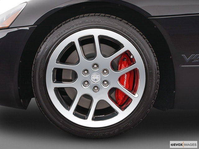 2004 Dodge Viper Front Drivers side wheel at profile