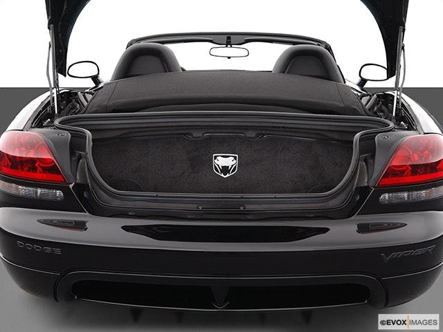 2004 Dodge Viper Trunk open
