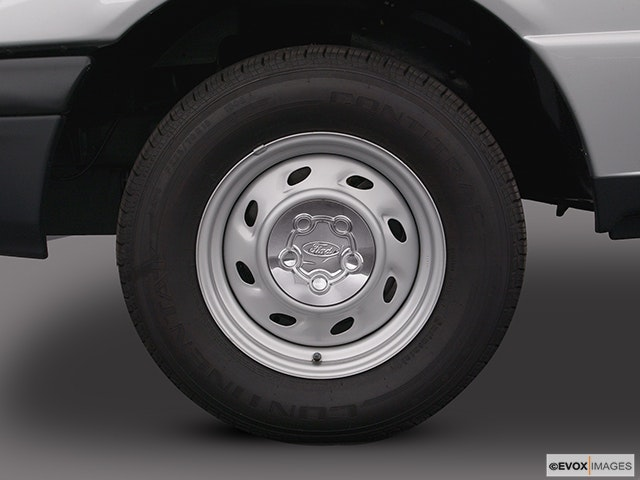 2004 Ford Ranger Front Drivers side wheel at profile