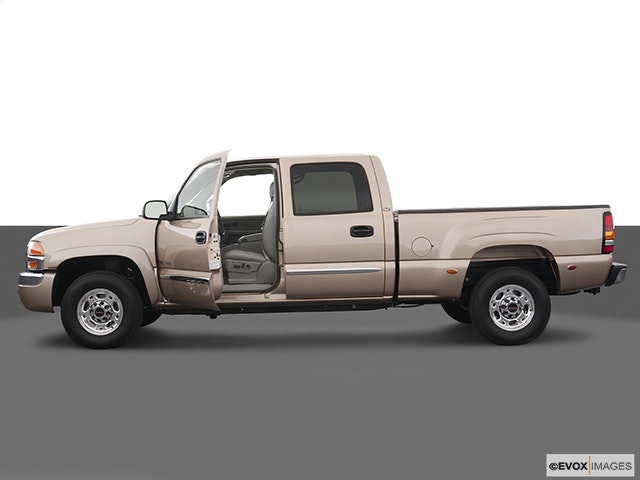 2004 GMC Sierra 2500 Driver's side profile with drivers side door open