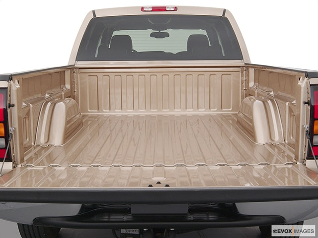 2004 GMC Sierra 2500 Trunk open