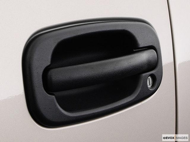 2004 GMC Sierra 3500 Drivers Side Door handle