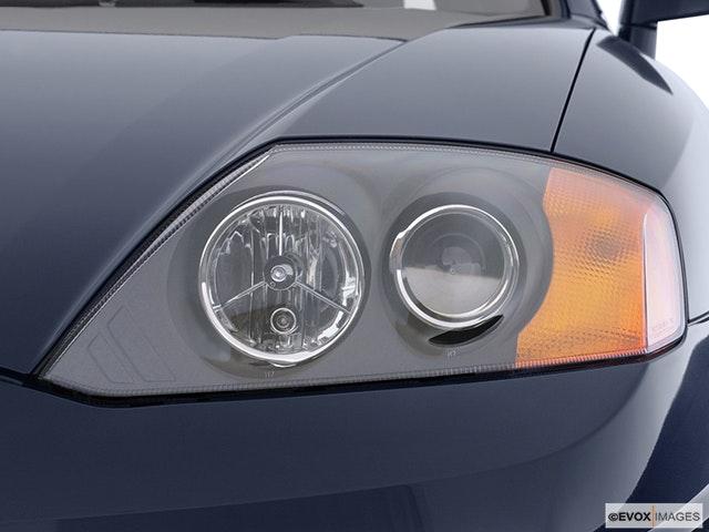 2004 Hyundai Tiburon Drivers Side Headlight