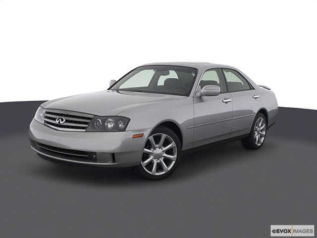 2004 INFINITI M45 Front angle view