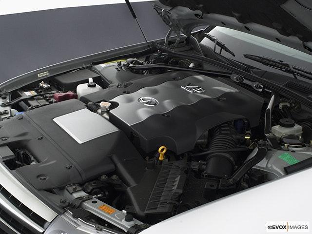 2004 INFINITI M45 Engine