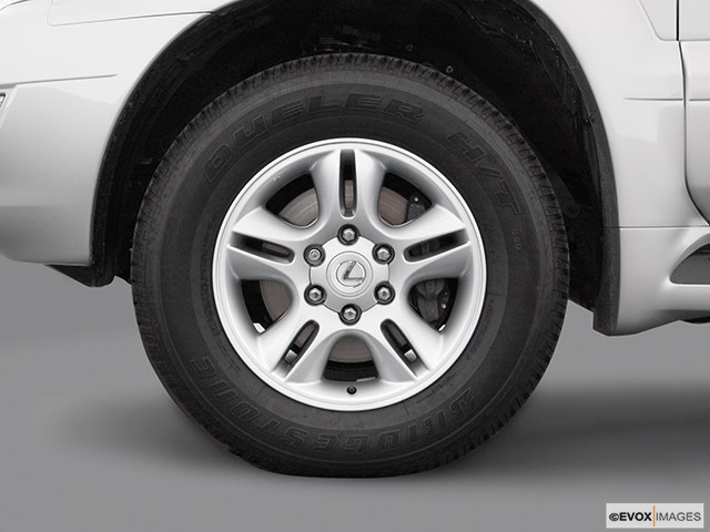 2004 Lexus GX 470 Front Drivers side wheel at profile