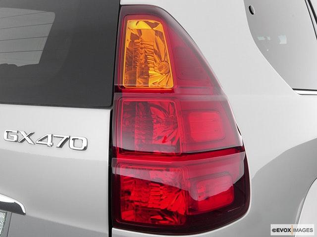 2004 Lexus GX 470 Passenger Side Taillight