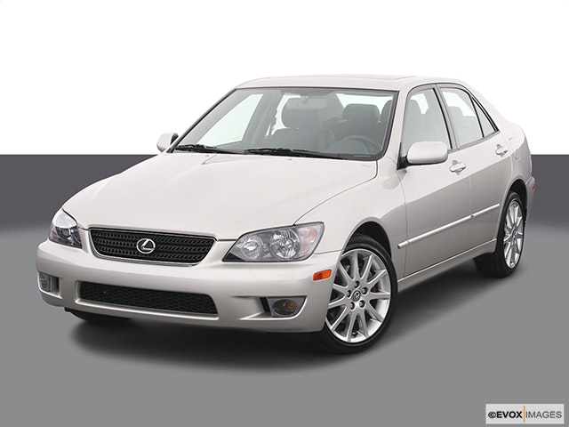 2004 Lexus IS 300 Front angle view