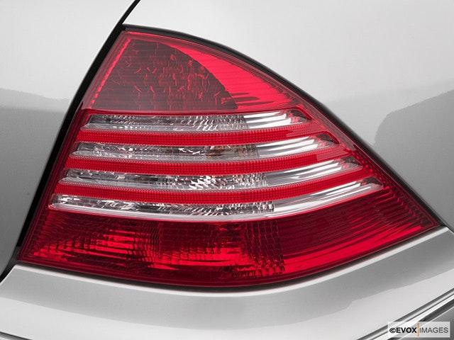 2004 Mercedes-Benz S-Class Passenger Side Taillight