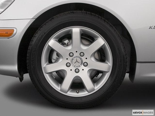 2004 Mercedes-Benz SLK Front Drivers side wheel at profile