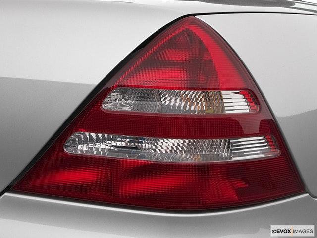 2004 Mercedes-Benz SLK Passenger Side Taillight