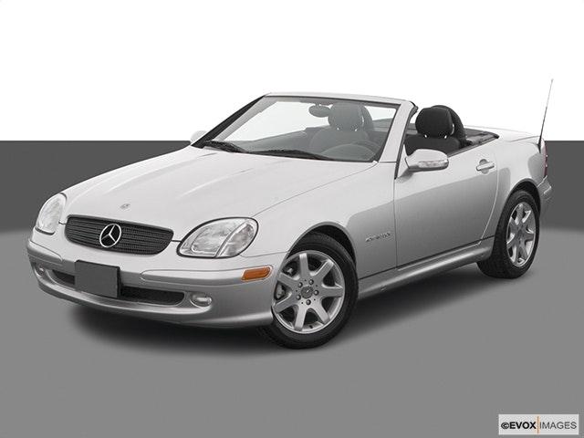 2004 Mercedes-Benz SLK Front angle view
