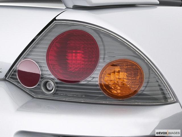 2004 Mitsubishi Eclipse Passenger Side Taillight