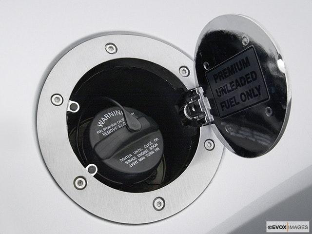 2004 Mitsubishi Eclipse Gas cap open