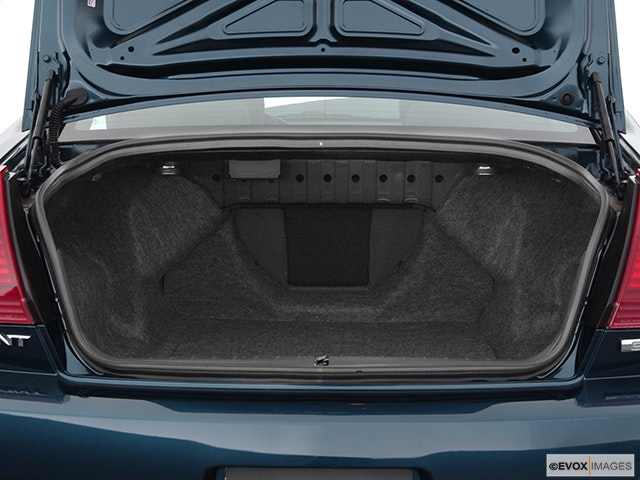 2004 Mitsubishi Galant Trunk open