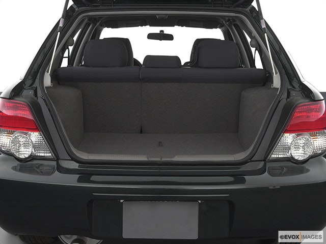 2004 Subaru Impreza Trunk open