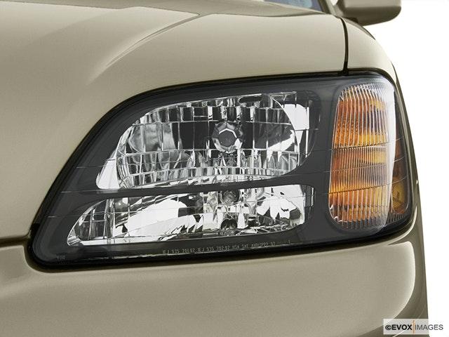 2004 Subaru Legacy Drivers Side Headlight