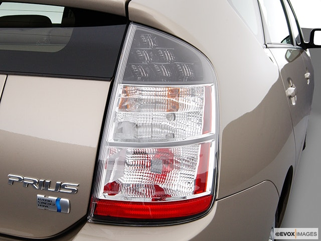2004 Toyota Prius Passenger Side Taillight
