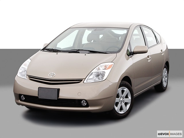 2004 Toyota Prius Front angle view