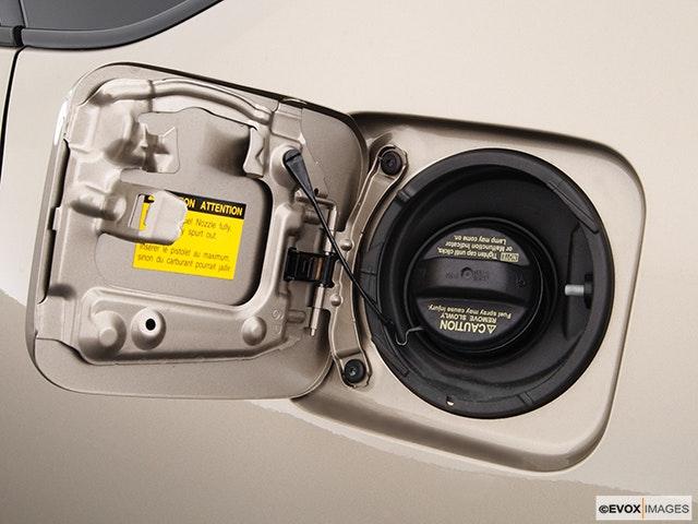 2004 Toyota Prius Gas cap open