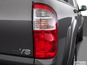 2004 Toyota Tundra Passenger Side Taillight