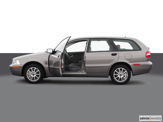 2004 Volvo V40 Driver's side profile with drivers side door open