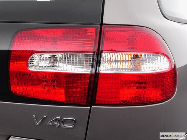 2004 Volvo V40 Passenger Side Taillight