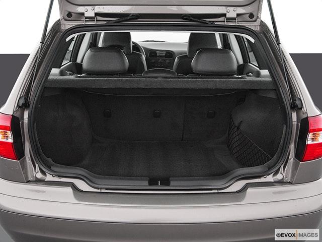 2004 Volvo V40 Trunk open