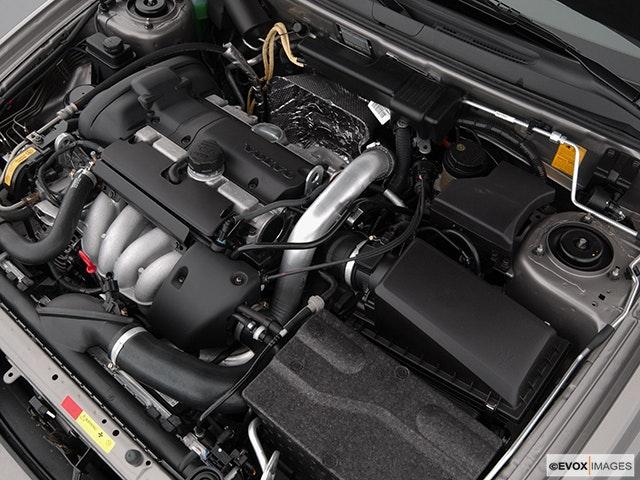 2004 Volvo V40 Engine