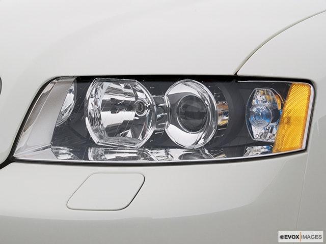 2005 Audi A4 Drivers Side Headlight