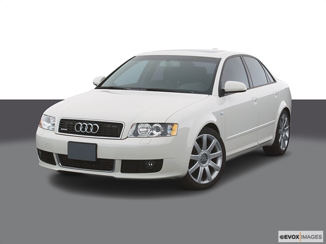 2005 Audi A4 Front angle view