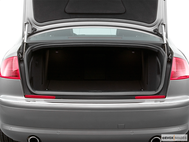 2005 Audi A8 Trunk open