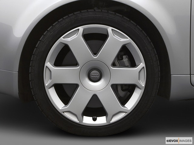 2005 Audi S4 Front Drivers side wheel at profile