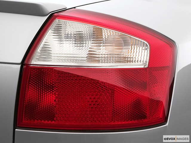 2005 Audi S4 Passenger Side Taillight