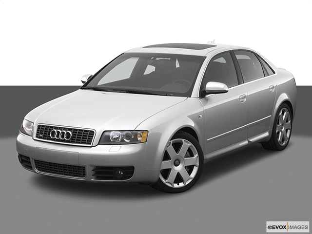 2005 Audi S4 Front angle view