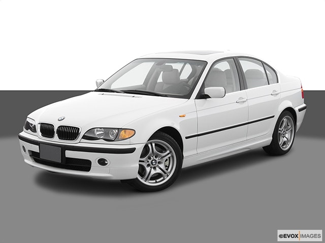 2005 BMW 3 Series Front angle view