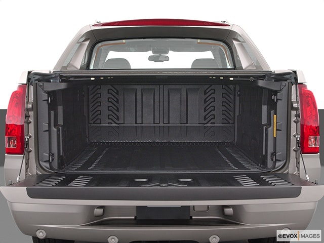 2005 Cadillac Escalade EXT Trunk open